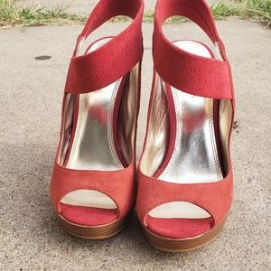 Bakers barely worn Peep Toe, Suede Pumps. Size 6.5